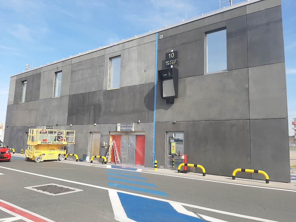 Betonkosmetik Flughafen Hamburg vorher