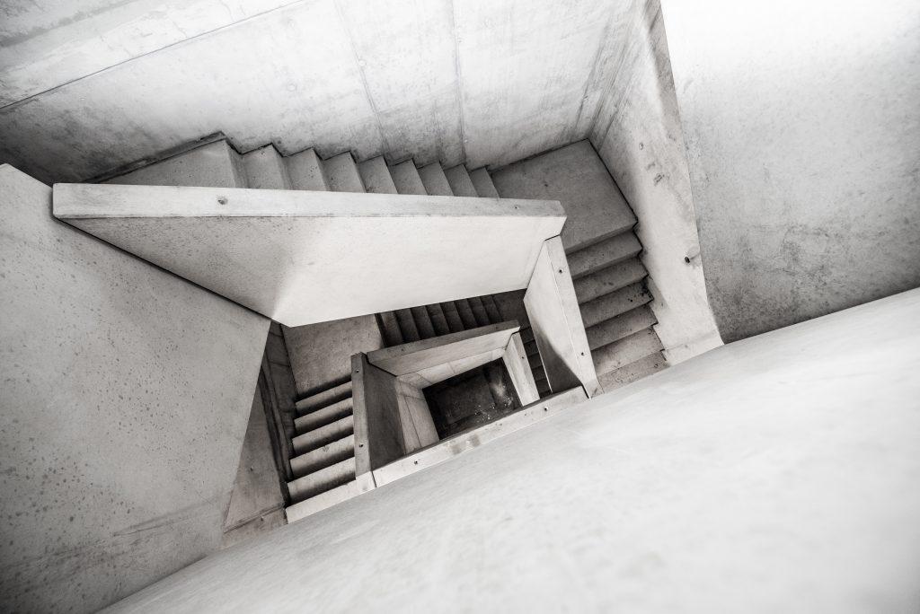 Betonretusche Treppenlauf MTU Hannover
